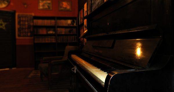 hasfelmetszo jack szabaduloszoba zongora 4